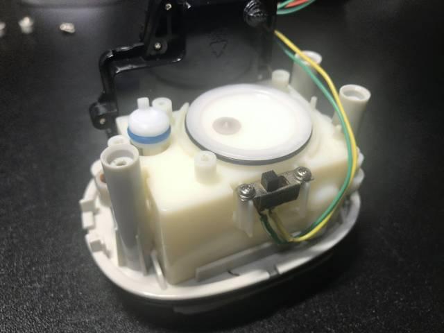 ミューズノータッチ泡ハンドソープのピストン動作1